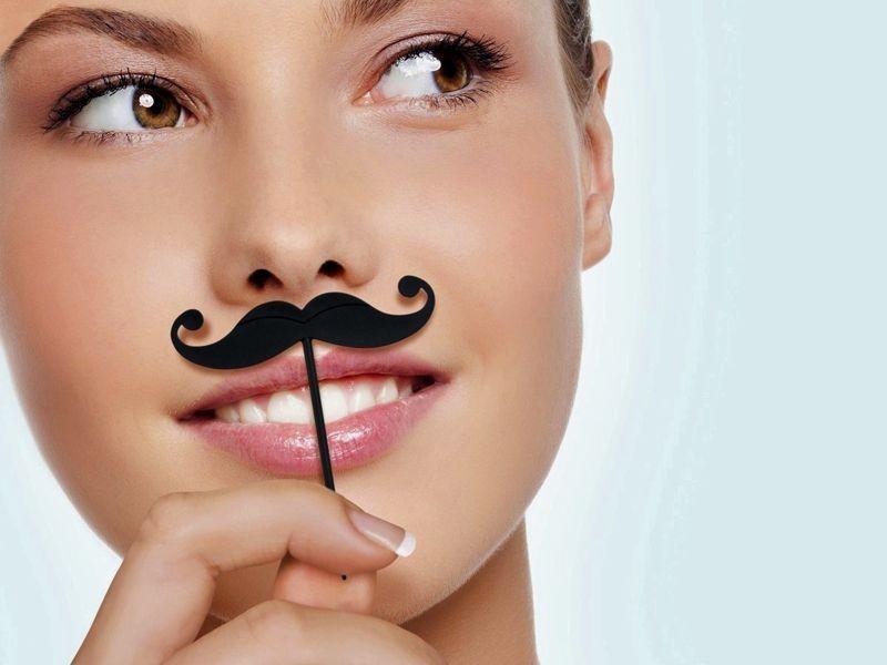 Почему у женщин за 40 часто растут усы и как с ними бороться?