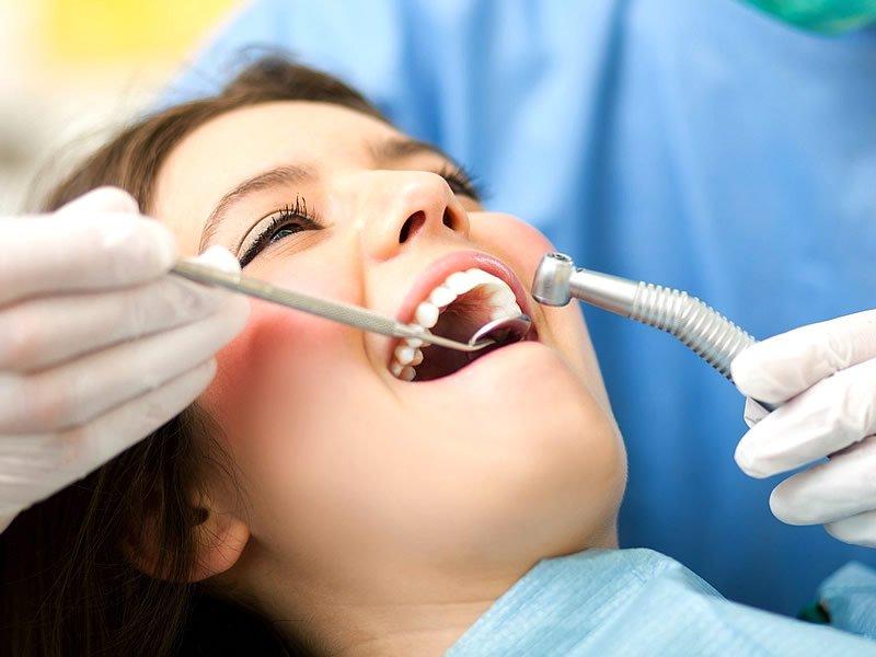 5 веских причин посещать стоматолога раз в год