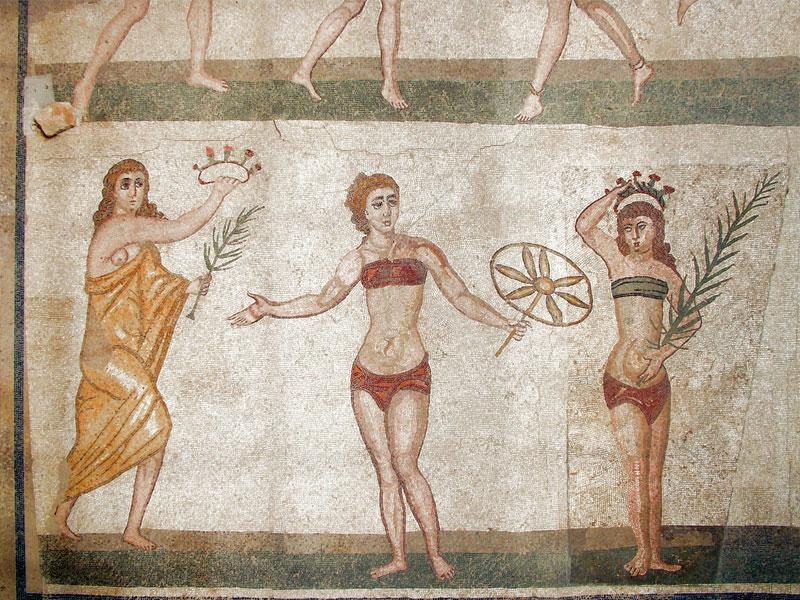 Чем у женщин в древних Афинах должны были пахнуть руки и лицо?
