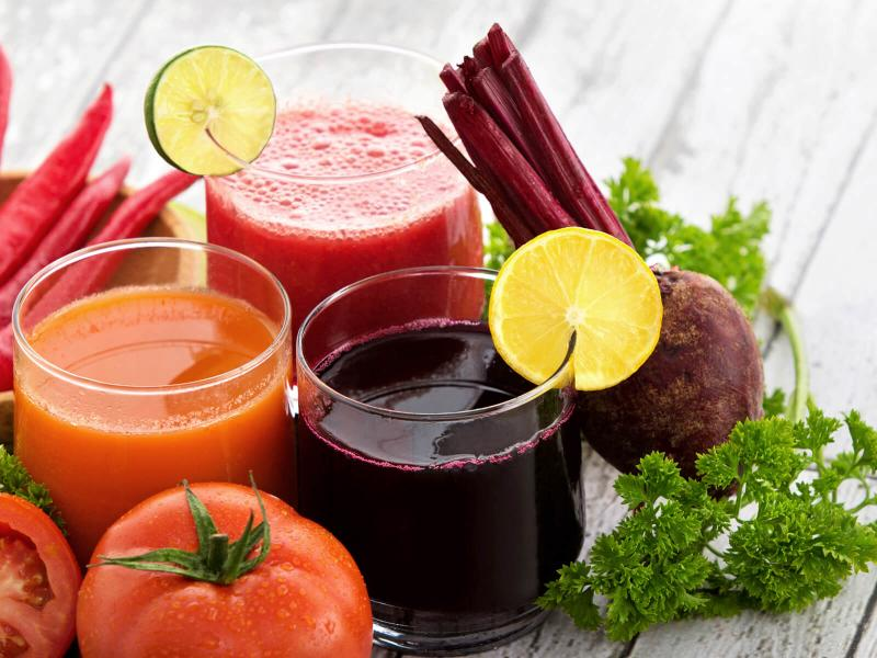 Как нужно пить свежевыжатый сок?