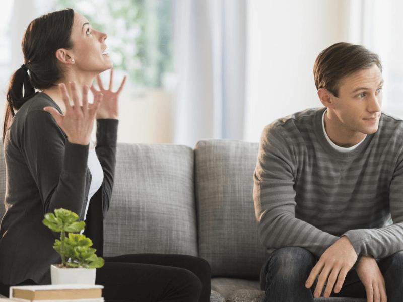 Почему мужчины не уважают женщин: 10 причин для плохого отношения