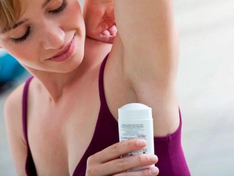 Что выбрать: дезодорант или антиперспирант?