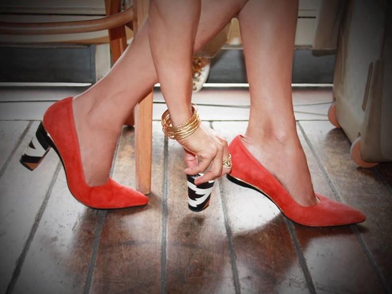 Туфли на шпильках, балетки и еще 3 вида «травмирующей» обуви