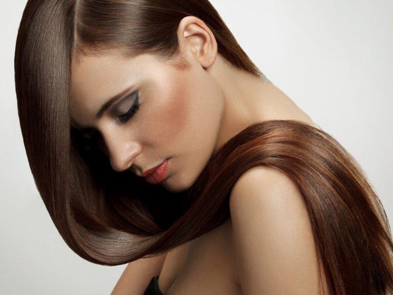 Как придать волосам блеск, используя натуральные продукты?