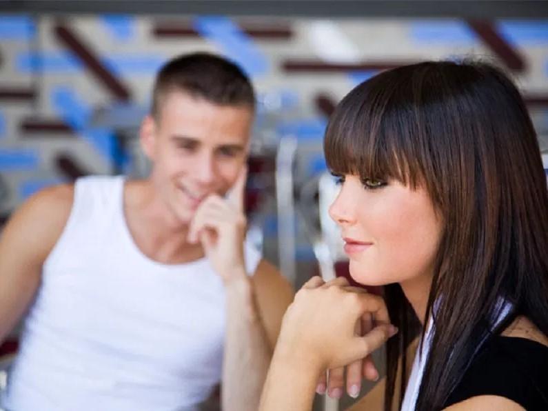 Как девушке перестать стесняться тех, кто нравится?