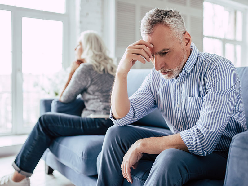 Почему после 50 лет многие пары разводятся?