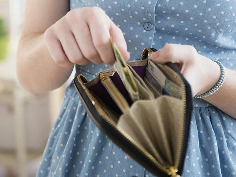 Сколько должна зарабатывать женщина, чтобы позволить себе семью?