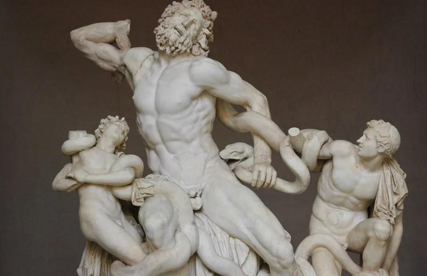 Почему у античных изваяний такое маленькое мужское достоинство?