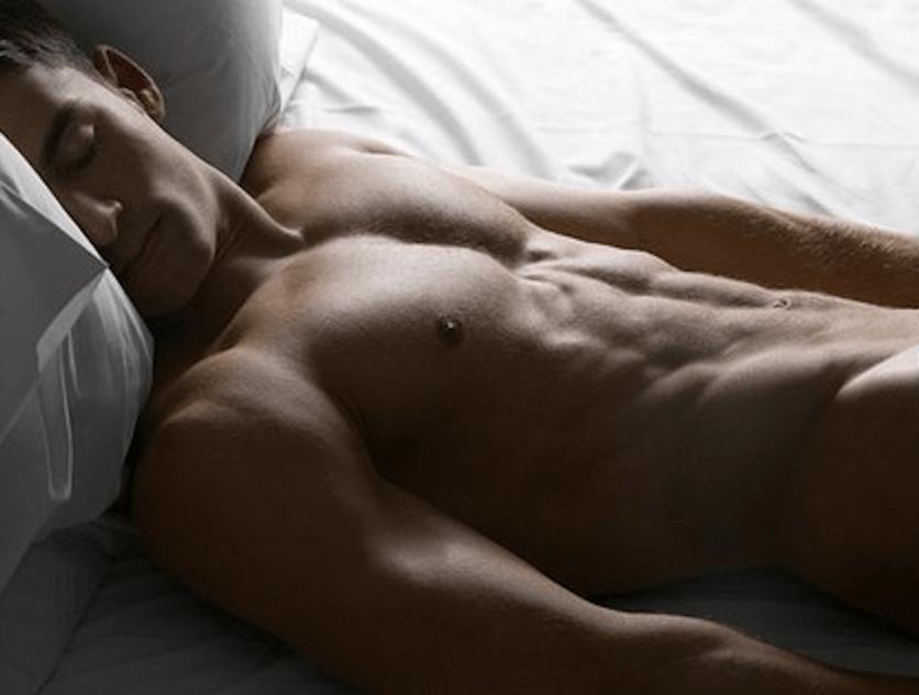Почему медики рекомендуют мужчинам спать без трусов?