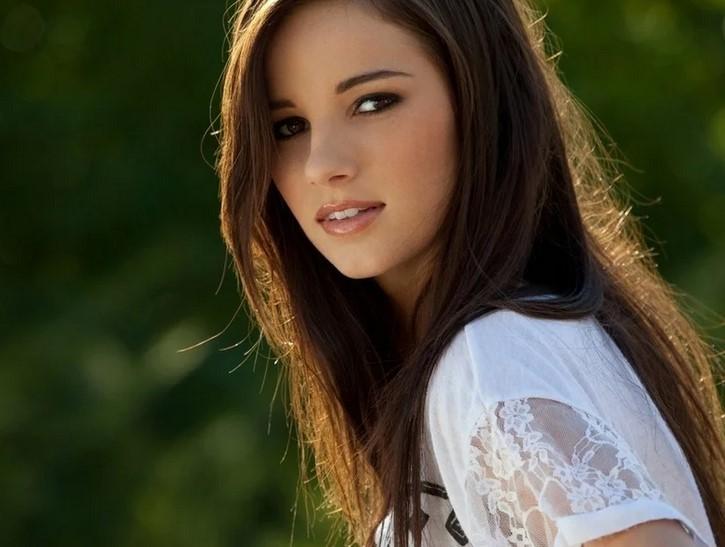 Чем отличается красивая девушка от симпатичной?